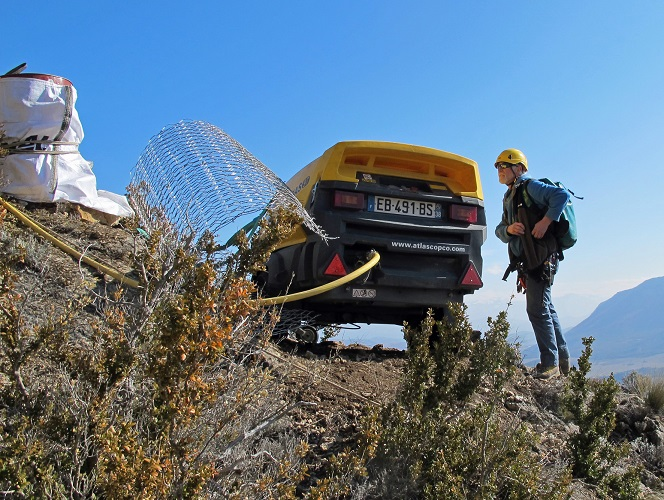 Compresseur au sommet de la falaise de 4 heures